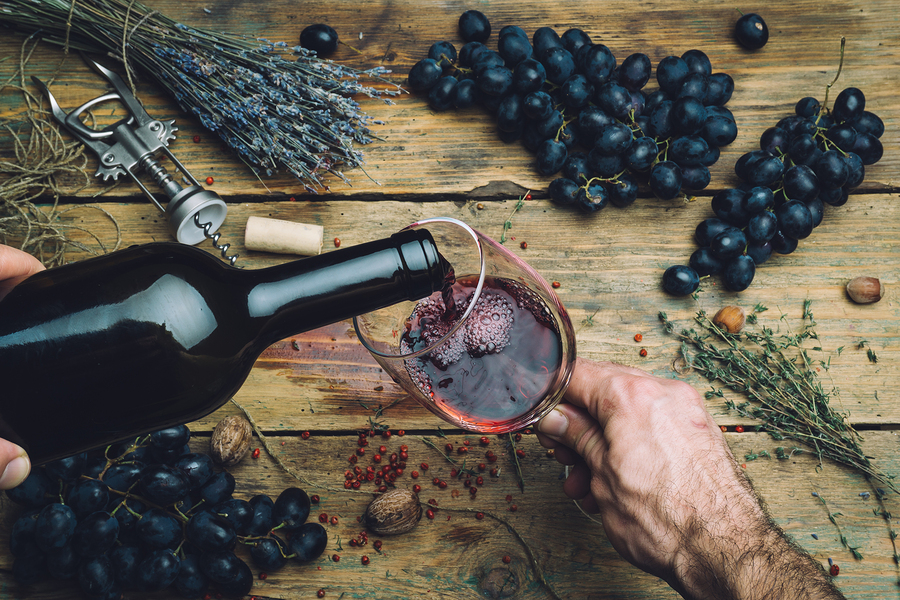 Red, red wine: what to eat with it, and its surprising health benefits!